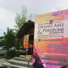Photo taken at Restoran Istana Bambu by Mohd Haffiez M. on 10/8/2015