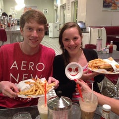 Photo taken at Johnny Rockets by Roger A. on 2/10/2014