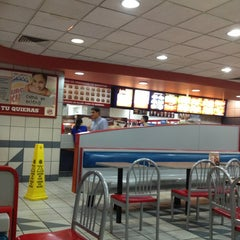 Photo taken at Burger King by Susa Z. on 1/19/2013