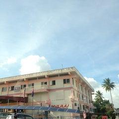 Photo taken at Pos Laju Kluang by __aunty-Tan__ on 11/12/2013