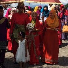 Photo taken at Kampung Bukit Changgang by Azam M. on 11/29/2015