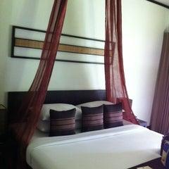 Photo taken at Ramayana Resort & Spa by Yongyut K. on 9/14/2012