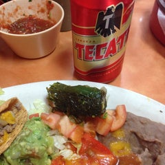 Photo taken at Taqueria El Rodeo de Jalisco by Steve C. on 12/7/2013