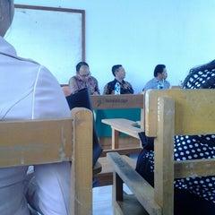 Photo taken at Fakultas Ekonomi UNIMA by Irene P. on 9/23/2013
