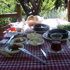 Photo taken at Lak Lak Cafe by Hasan D. on 9/22/2012
