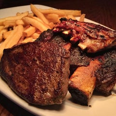 Photo taken at Outback Steakhouse by Sweetandyummie on 1/10/2016