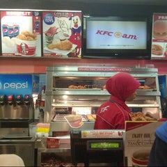 Photo taken at KFC by Sundus I. on 3/7/2013