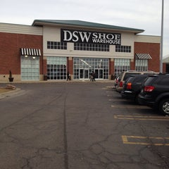 Photo taken at DSW Designer Shoe Warehouse by Tolonda W. on 3/29/2015