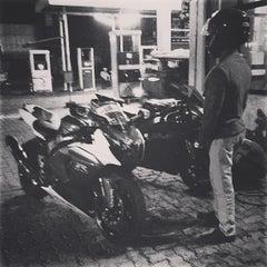 Photo taken at Nawala Car Wash by duminda p. on 9/2/2013