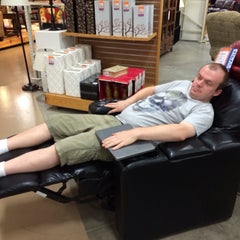Photo taken at Weekends Only Furniture Outlet by Steve P. on 10/13/2013