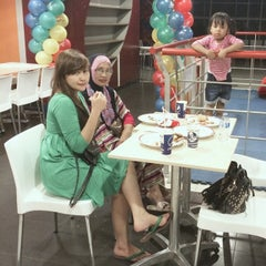 Photo taken at KFC by Valent H. on 7/7/2014