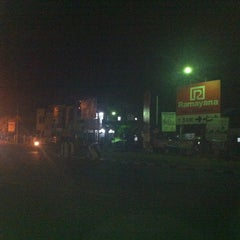 Photo taken at Lampu Merah Pertigaan Bypass by Muh H. on 4/13/2013