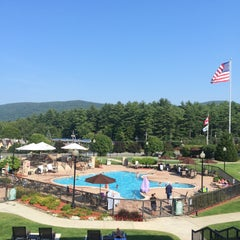 Photo taken at Holiday Inn Resort Lake George-Turf by Onur C. on 9/1/2015