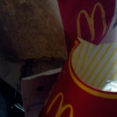 Photo taken at McDonald's by Riozz M. on 11/20/2013
