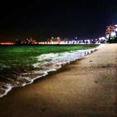 Photo taken at หาดพัทยา (Pattaya Beach) by Игорь З. on 12/17/2013