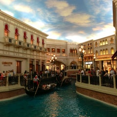 Photo taken at The Venetian Palazzo Resort Hotel & Casino by Jeff C. on 6/13/2013