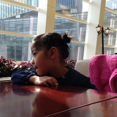Photo taken at California Pizza Kitchen | 詞碧閣西餐厅 by Johnny M. on 1/26/2013