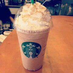 Photo taken at Starbucks (สตาร์บัคส์) by ⒿeÄn ✿ on 12/4/2012