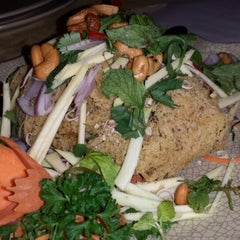 Photo taken at Rama V Fine Thai Restaurant by Sally t 嶨. on 7/11/2013