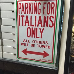 Photo taken at Guido's Pizzeria & Restaurant by Rabee A. on 1/26/2016