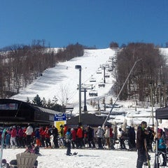 Photo taken at Blue Mountain Resort by Fariba R. on 3/29/2013