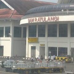 Photo taken at Sam Ratulangi International Airport (MDC) by Aria S. on 10/10/2012