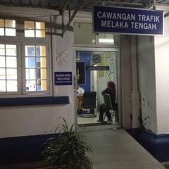 Photo taken at Balai Polis Melaka Tengah (Cawangan Trafik) by Farah K. on 10/16/2015