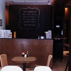 Photo taken at Metz Pratunam Hotel by Bim N. on 6/22/2014