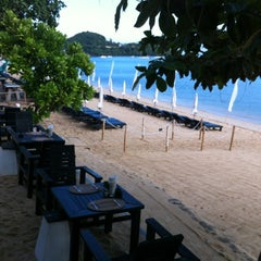 Photo taken at Peace Resort Samui by Praphon P. on 9/18/2012