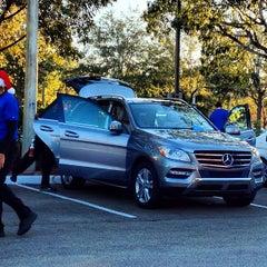 Photo taken at Simoniz Car Wash by ☀Día☀ on 12/21/2012