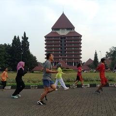 Photo taken at Rektorat Universitas Indonesia by Arfah L. on 11/24/2013