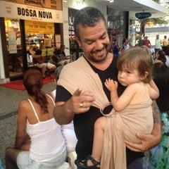 Photo taken at Toca do Vinícius by Maria Simone Z. on 1/25/2015