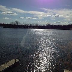 Photo taken at Johnny's On The Lake by Robert S. on 4/26/2014