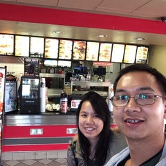 Photo taken at Carl's Jr. by Maitree M. on 12/24/2013