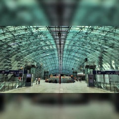 Photo taken at Frankfurt (Main) Flughafen Fernbahnhof by Gabi H. on 7/19/2015
