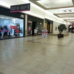Photo taken at Al Oeste Shopping by Jeremias D. on 10/16/2013