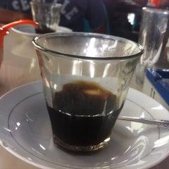 Photo taken at Corner Coffee by Tati  T. on 10/4/2015