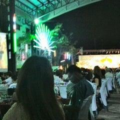 Photo taken at โรงเรียนสายอักษร (Saiaksorn School) by ่patavee S. on 3/8/2014
