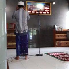 Photo taken at Masjid Al Muhajirin PCI Blok B by YDwi M. on 4/3/2014