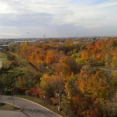 Photo taken at Bell Mobility by Marvin on 10/19/2012