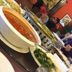 Photo taken at New Horizon Garden Restaurant by Yuyu K. on 6/27/2015