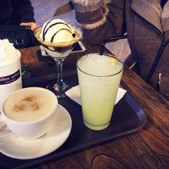 Photo taken at Coffee Urban by Gyeongha L. on 12/15/2013