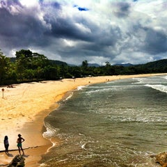 Photo taken at Barra do Sahy by Marcelo P. on 3/29/2013