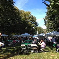 Photo taken at Historic Roswell Town Square by Yugun V. on 10/20/2012