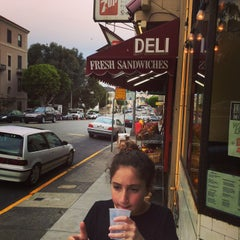 Photo taken at Pizzeria Avellino by Mark H. on 9/25/2014