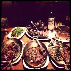 Photo taken at Tom Colicchio's Craftsteak by Matt W. on 3/18/2012