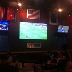 Photo taken at Buffalo Wild Wings by Juan D. on 5/6/2012