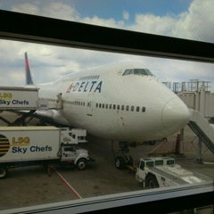 Photo taken at Delta Sky Club by Mike G. on 4/9/2012
