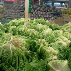 Photo taken at Ki-Frutas by Paula A. on 8/22/2012