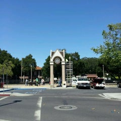 Photo taken at Menlo Park Caltrain Station by jaslene L. on 6/6/2012